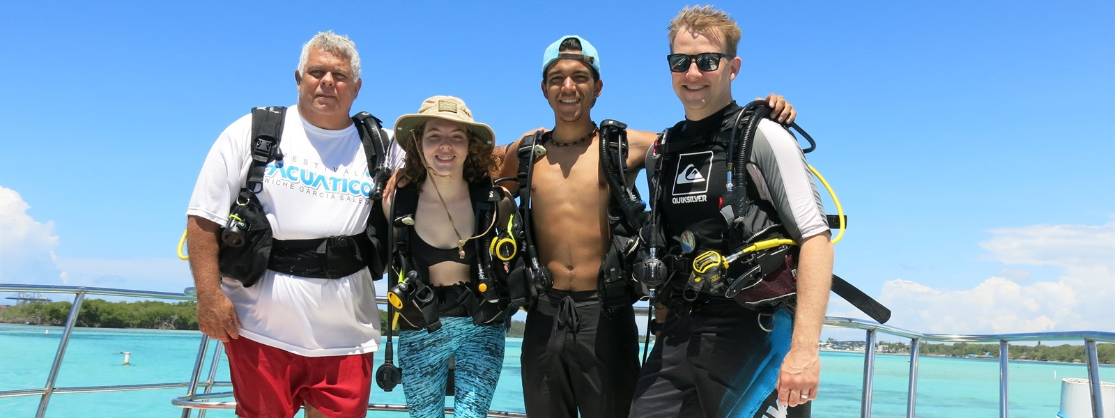 Picture of divers on a boat.