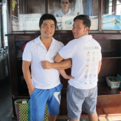 Picture of two people from the Green Fins Vietnam national team.