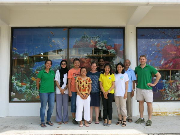 Picture of Reef-World staff with the Green Fins Malaysia team.