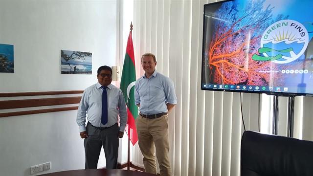 Picture of Reef-World Director JJ Harvey at a meeting in the Maldives.