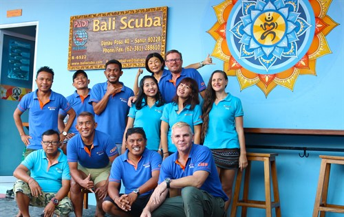 Picture of the Bali Scuba team.