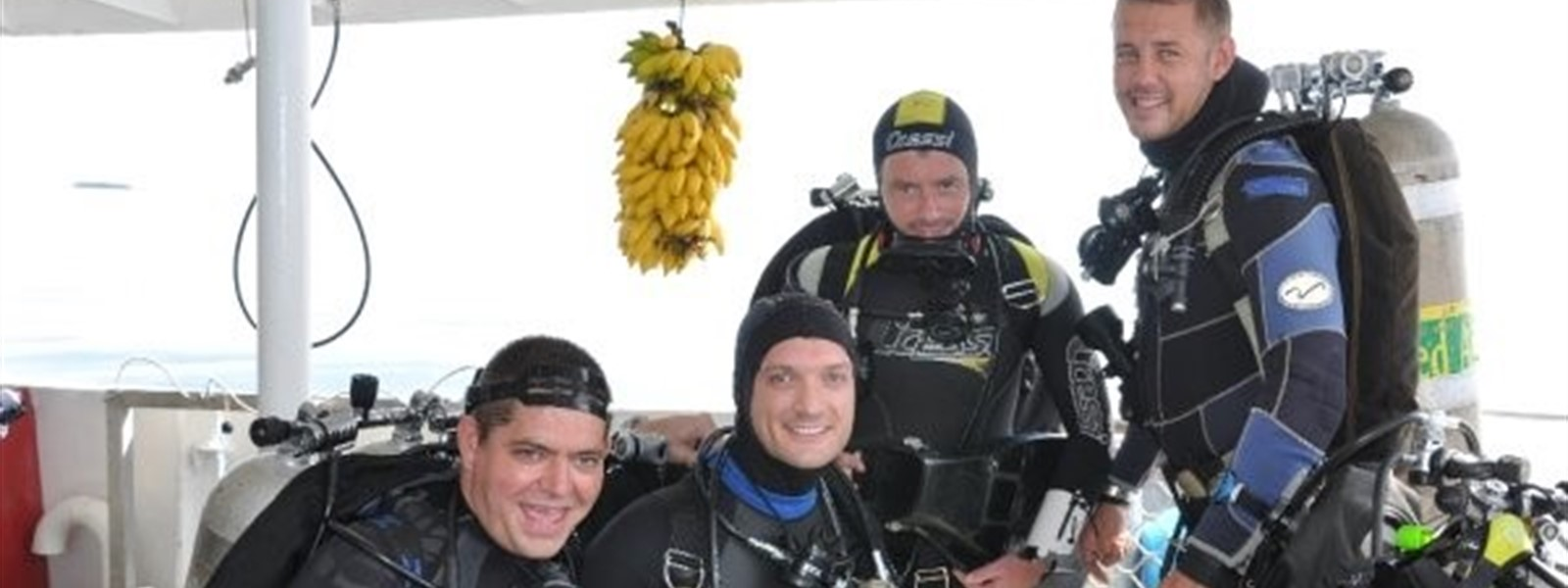 Picture of divers at Evolution Malapascua.