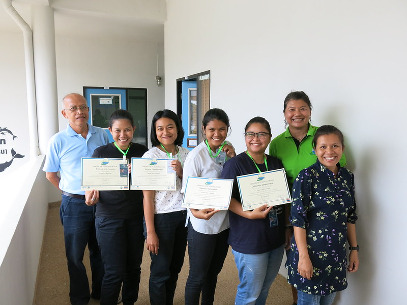 Green Fins Thailand assessors with their certificates